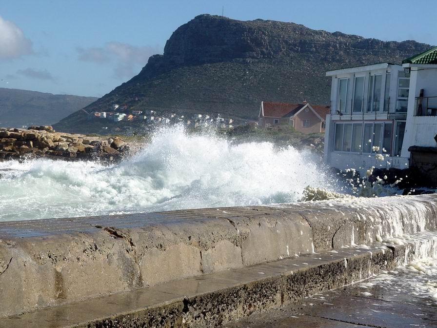 Kalk Bay - stormy 01