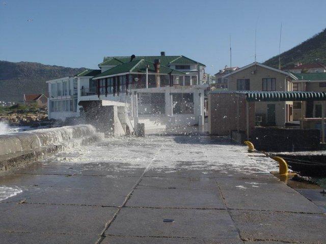 Kalk Bay - stormy 03