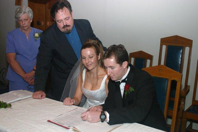 Alan signing